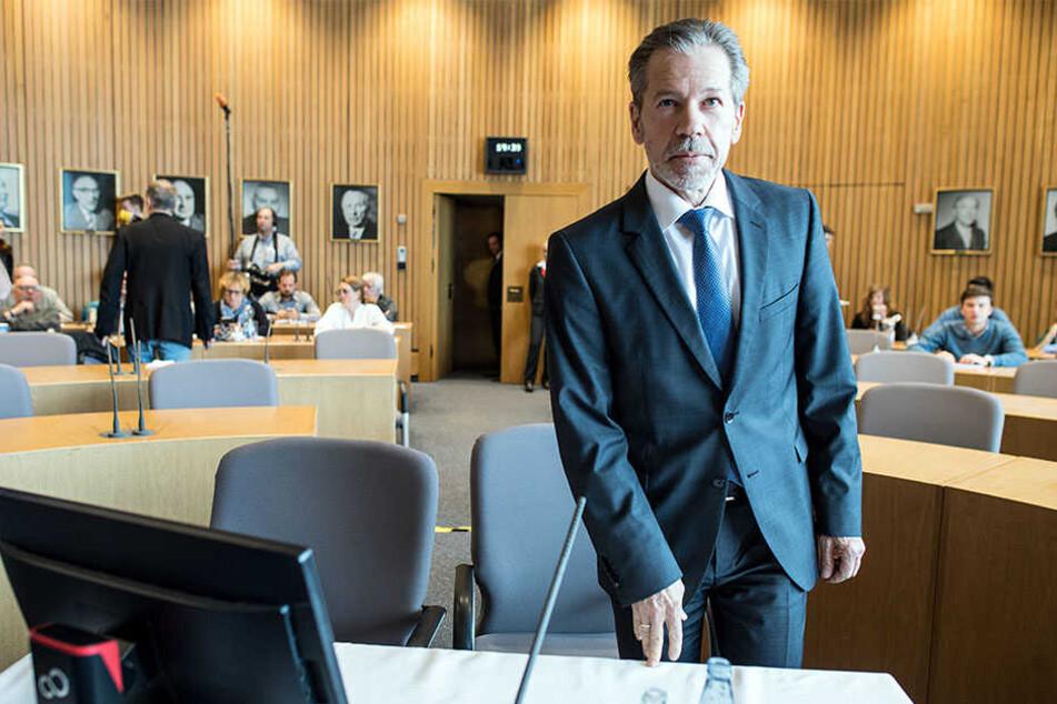 Der Leiter des Landesverfassungsschutzes, Burkhard Freier (61), vor dem Untersuchungsauschusses des Landes.