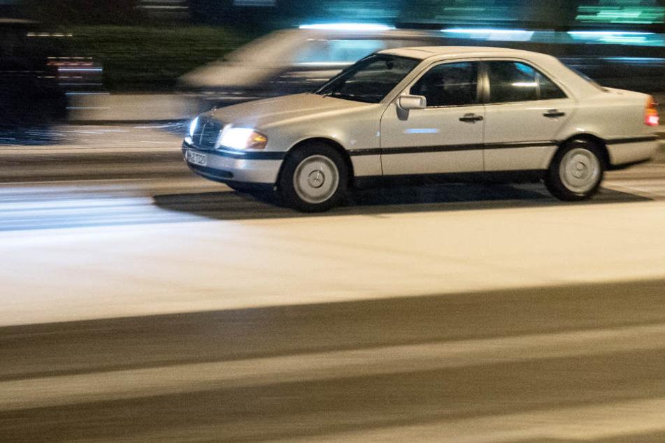 Autofahrer im Norden mussten wegen des Schnees aufpassen, dennoch kam es zu mehreren Unfällen.