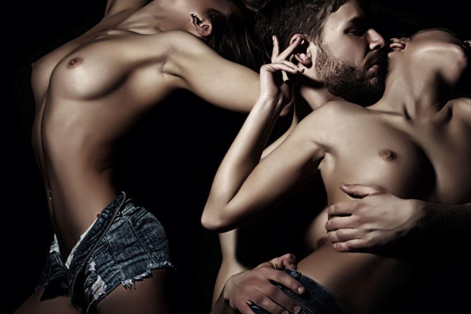 Sex zu dritt? Nicht zu niedrig pokern, denn meist enden die Parties in einer wilden Orgie.