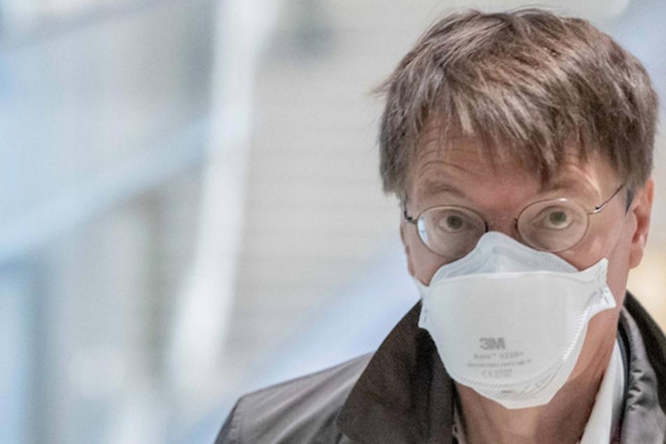 Karl Lauterbach prophezeit: Dritte Corona-Impfung für alle wird kommen