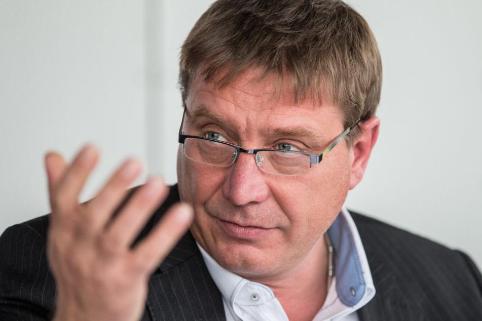 Für Politiker Mario Pecher (54, SPD) ist die Räumung seiner Mutter aus ihrem  Lebenswerk reine Privatsache. Die Fragen der Morgenpost zu dem Sachverhalt ließ  er unbeantwortet.