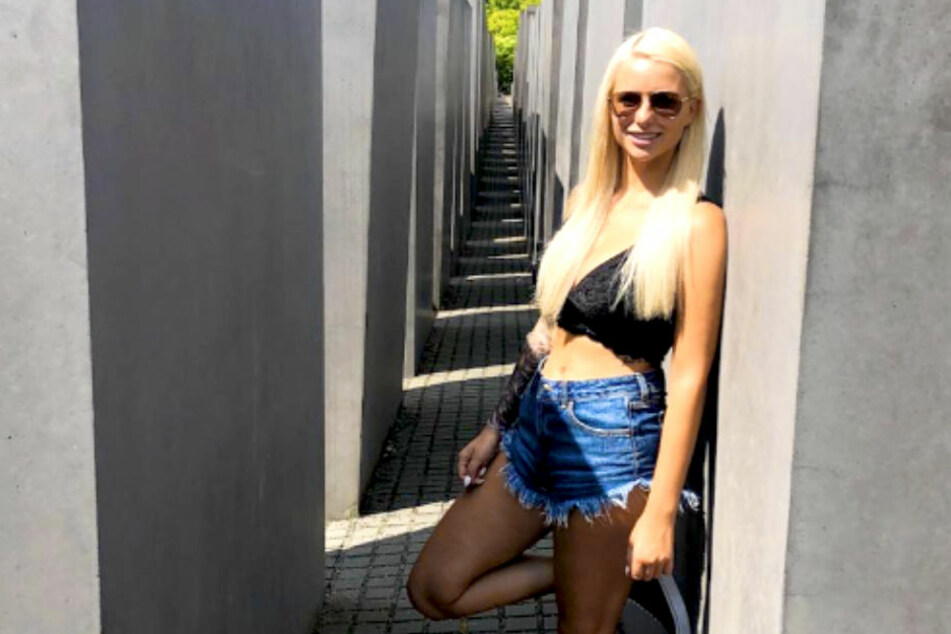 Strahle-Foto am Holocaust-Mahnmal: Shitstorm für Carina Spack