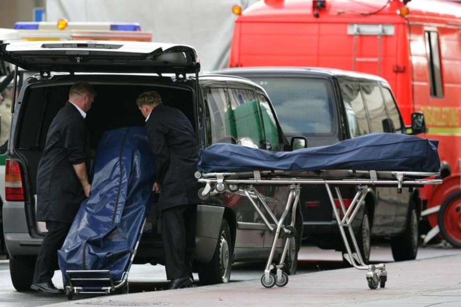 Die Polizei fand die 51-Jährige am Donnerstag leblos in ihrer Wohnung (Symbolbild).