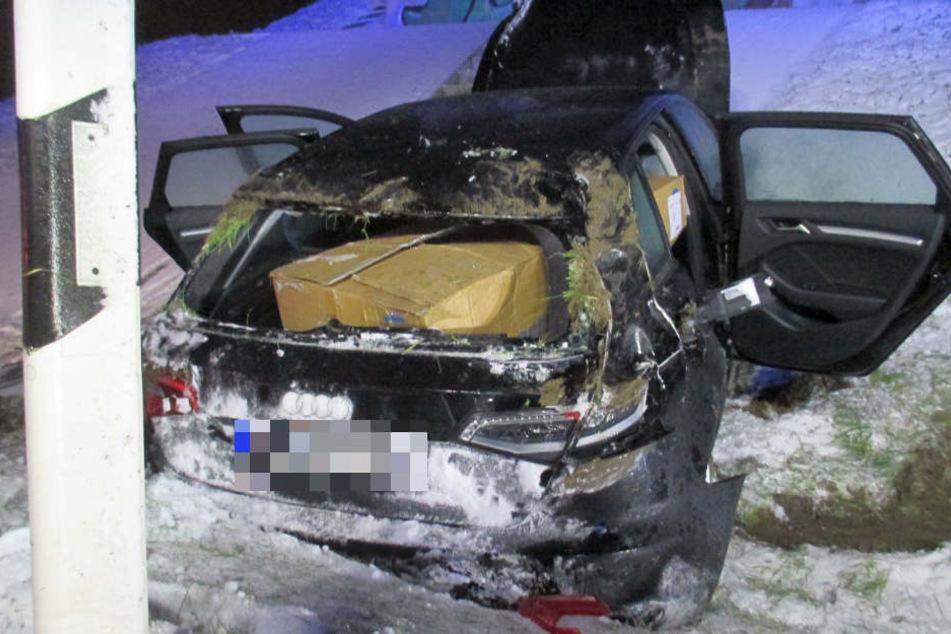 Der Fahrer überschlug sich mit seinem Wagen.