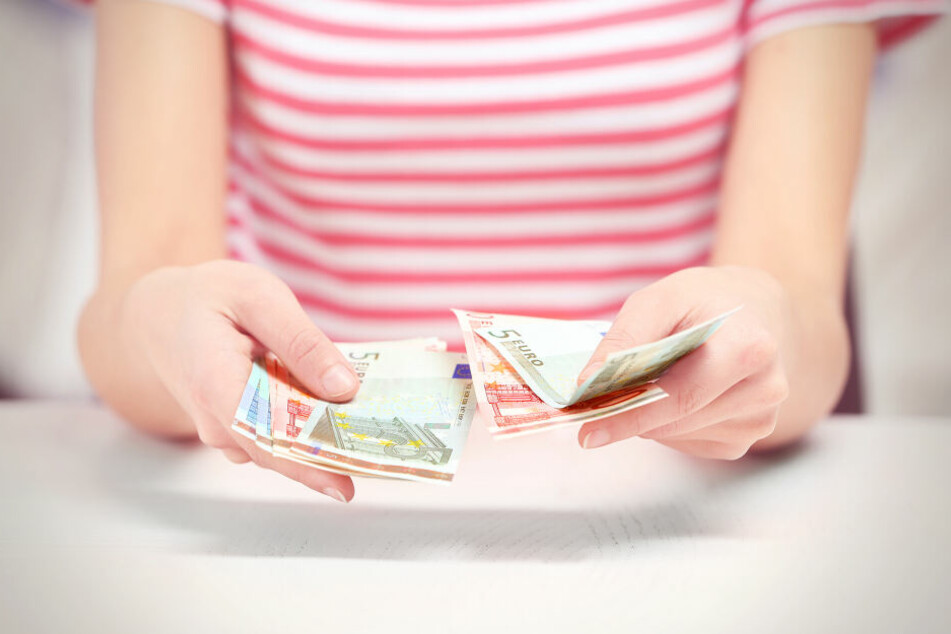 Die 23-Jährige wollte ihre Kinder gegen Geld loswerden. (Symbolbild)