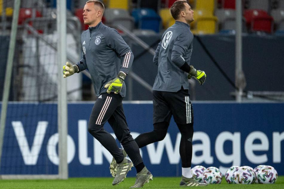 Schiedlich friedlich.Ter Stegen und Manuel Neuer teilen sich die beiden kommenden Länderspiele auf.