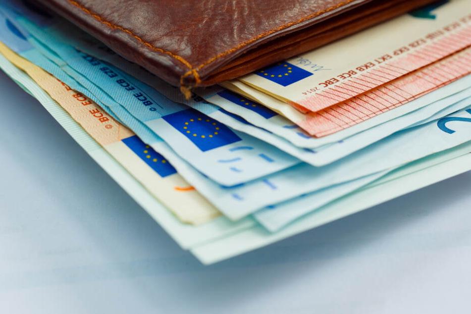 Vor dem Tod hatte der Rentner 600 Euro abgehoben, die verschwunden sind (Symbolbild).