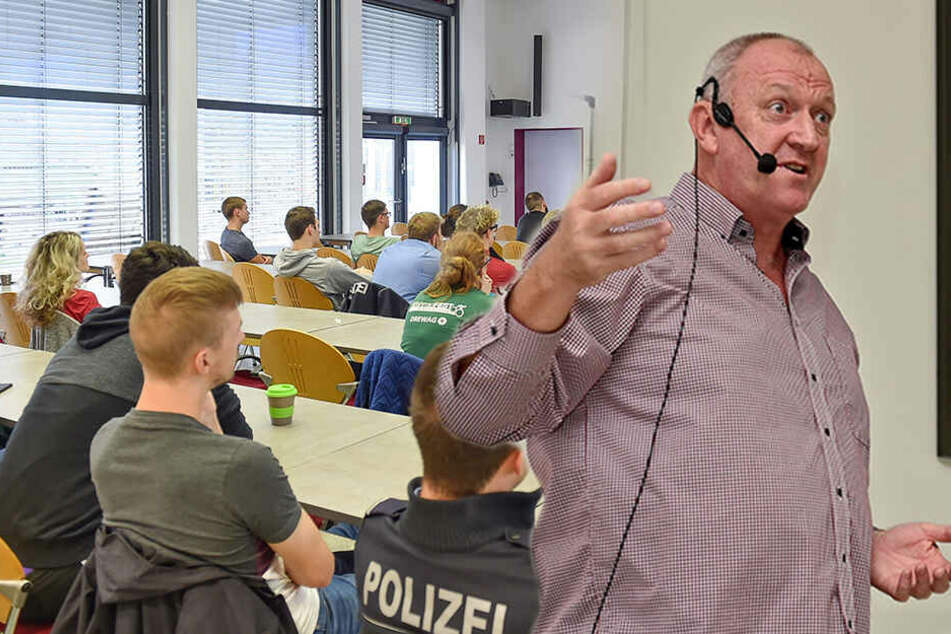 Was tun bei einem Anschlag? Terror-Nachhilfe für Sachsens Polizeischüler
