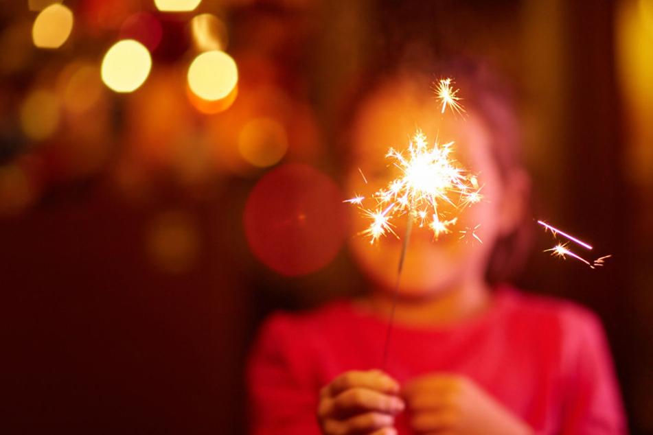 Auch viele kleine Kinder wollen Silvester erleben.