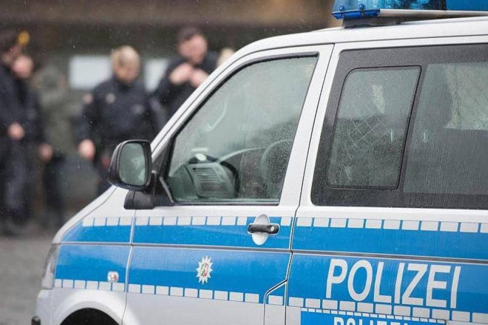 Tödlicher Unfall: Arbeiter stürzt offenbar in riesigen Fleischwolf