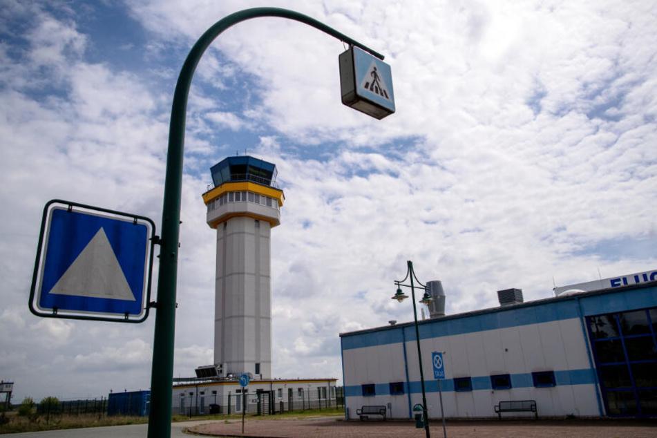 Den Tower des Flughafens baute der chinesische Investor neu.