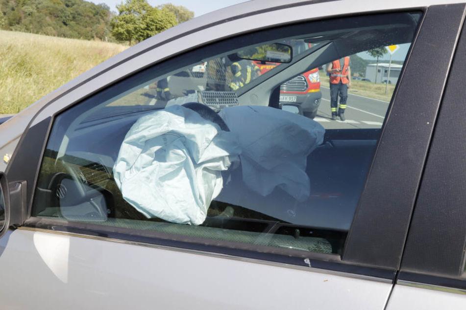 Der Aufprall war so heftig, dass die Airbags ausgelöst wurden.