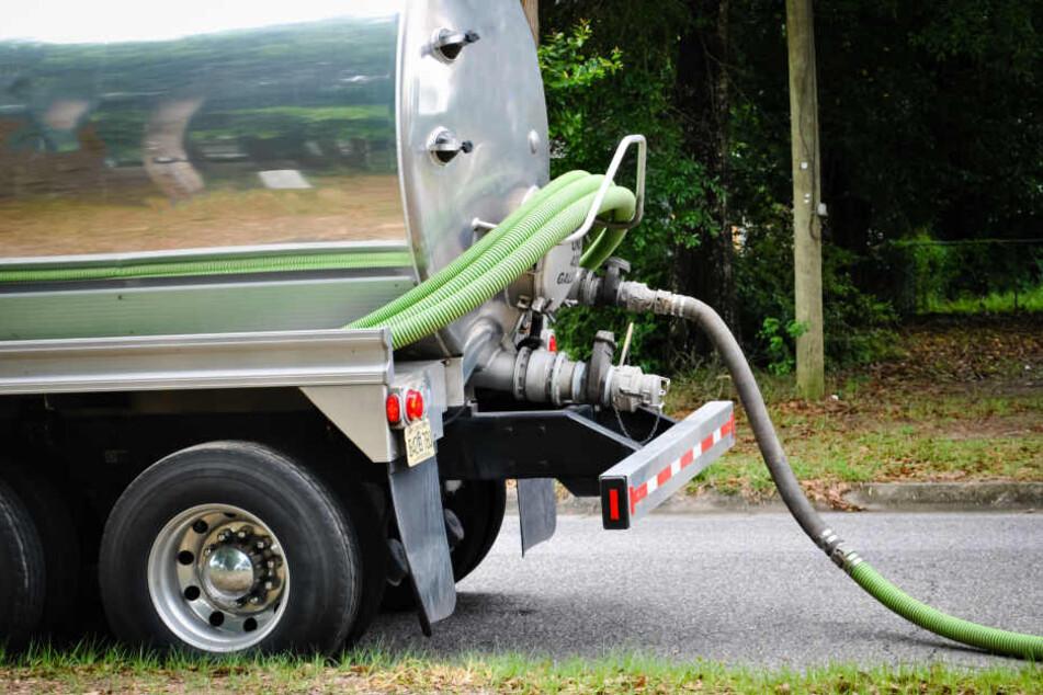 Die Maschine war mit zwei 500 Liter-Tanks bestückt. Beide beinhalteten ein Insektizid-Gemisch. (Symbolbild)