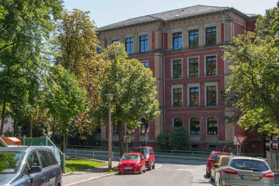 Die Grundschule Obere Luisenschule in der Fritz-Matschke-Straße 23 wird ebenfalls saniert. (Archivbild)