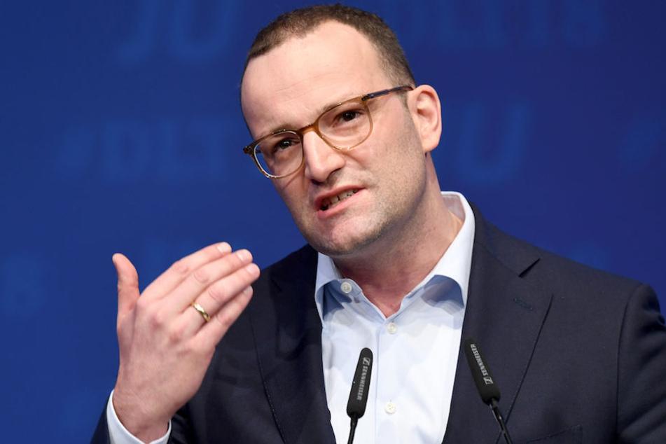 Bundesgesundheitsminister Spahn kritisierte Konkurrent Merz scharf.