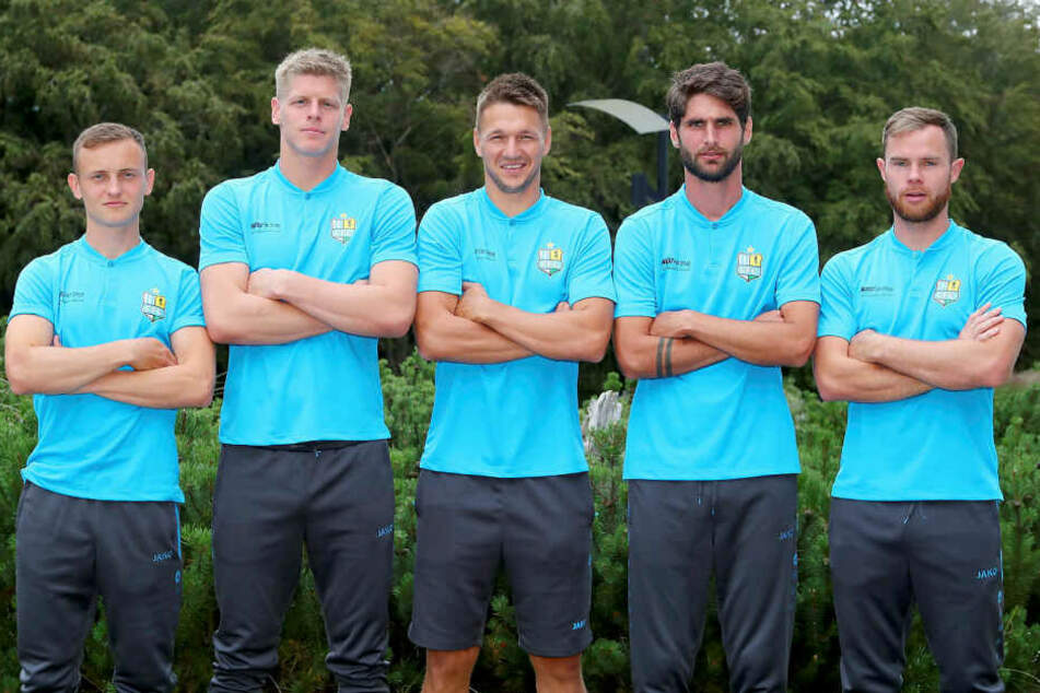 Nils Blumberg (v.l.) bildet mit Torwart Jakub Jakubov, Daniel Frahn, Niklas Hoheneder und Tobias Müller den Mannschaftsrat des CFC.