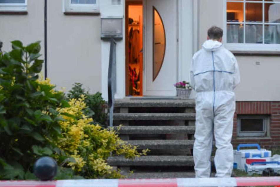 Die Spurensicherung untersucht den Tatort in Winsen.