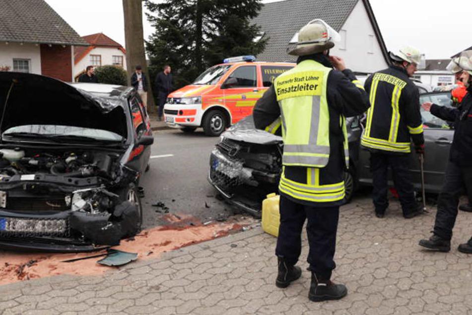 Bei dem Zusammenstoß wurden beide Fahrer schwer verletzt.
