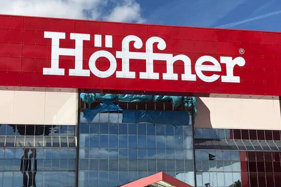 Höffner überrascht alle mit dieser krassen Spar-Aktion! - TAG24
