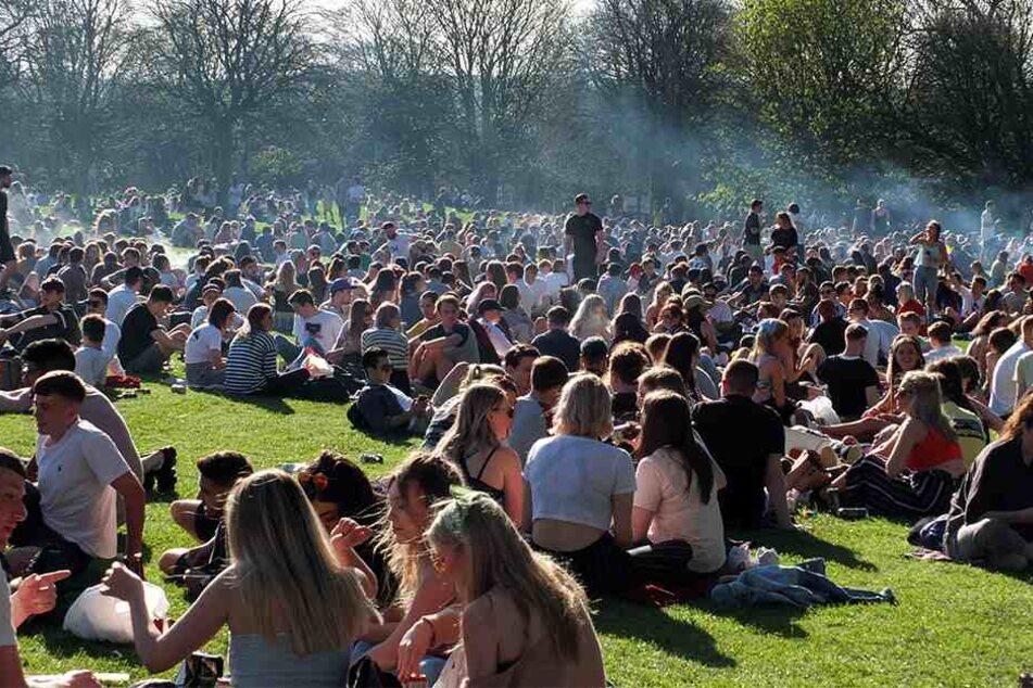 Extrem starke Drogen! Jugendliche (17) stirbt auf Festival