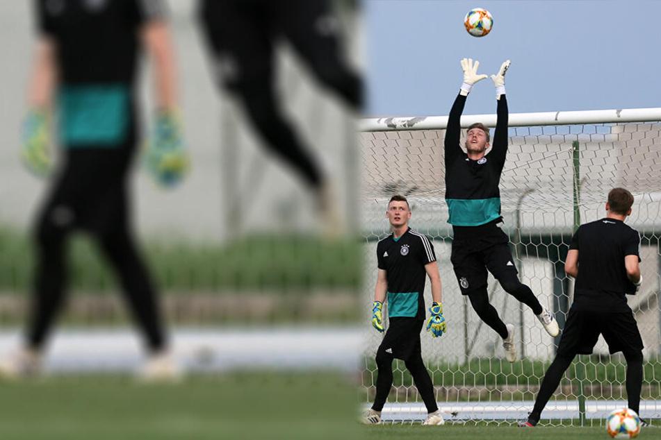 Florian Müller (Mitte) fängt einen Ball weg. Die Torwart-Kollegen Schubert (links) und Nübel schauen zu.