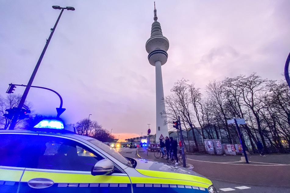 Hamburg: Absturzgefahr! Feuerwehreinsatz am Hamburger Telemichel