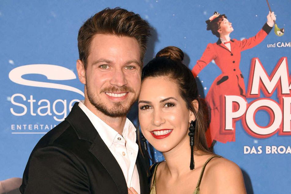 Bei einer Musical-Premiere im Februar zeigten sich Sebastian Pannek und Clea-Lacy Juhn noch verliebt auf dem Roten Teppich. Nun ist alles aus und vorbei.