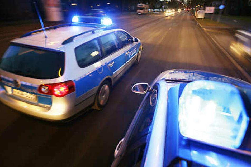 Nach einer Verfolgungsjagd südlich von Leipzig sucht die Polizei nach Zeugen. (Symbolbild)