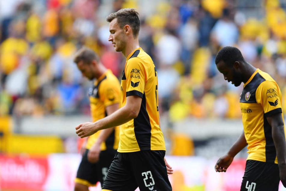 Hängende Köpfe bei Dynamo: Florian Ballas (vorn) und Erich Berko (re.) waren mit dem Ergebnis und der Partie sicher alles andere als zufrieden.