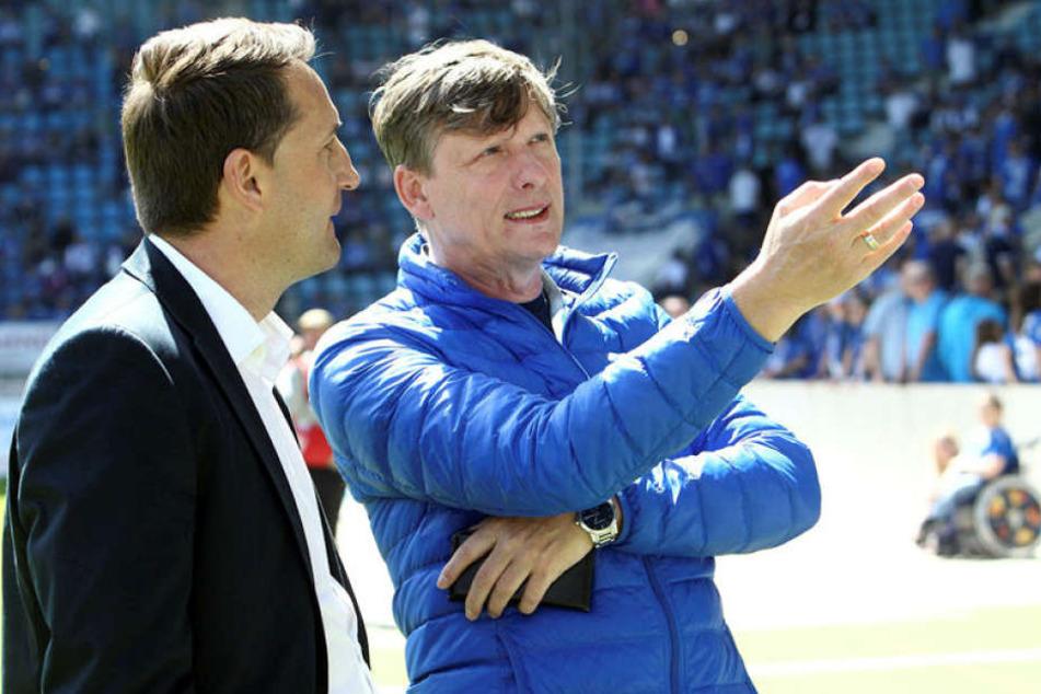Auch wenn CFC-Ausichtsratsboss Uwe Bauch (r.) die Richtung vorzugeben scheint, muss Sportchef Thomas Sobotzik die Erwartungen zwangsläufig herunterschrauben.