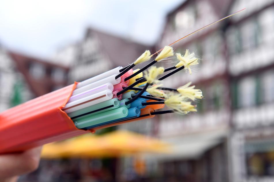 Die Breitbanderschließung finde ausschließlich in bislang unterversorgten Orten des Landkreises Zwickau statt.