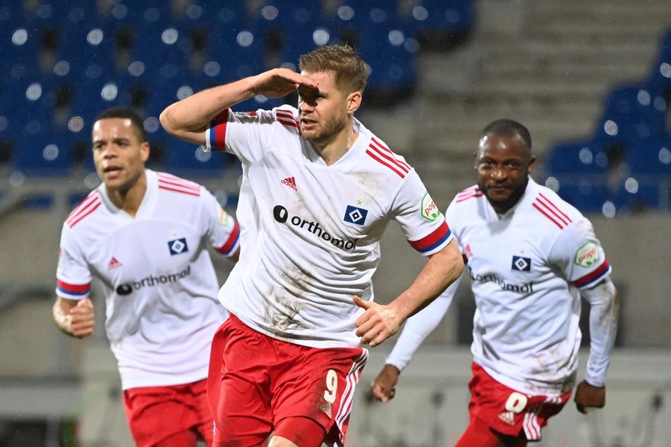 Der HSV hat, wie hier Goalgetter Simon Terodde, sein Ziel fest im Blick.