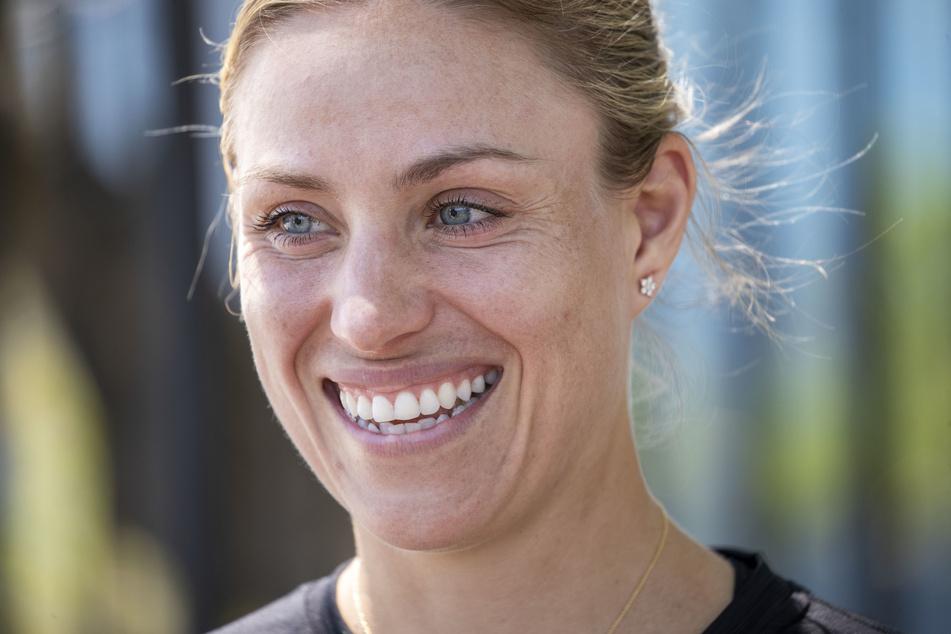 Angelique Kerber, Tennisspielerin aus Deutschland, lächelt bei einem Fototermin.
