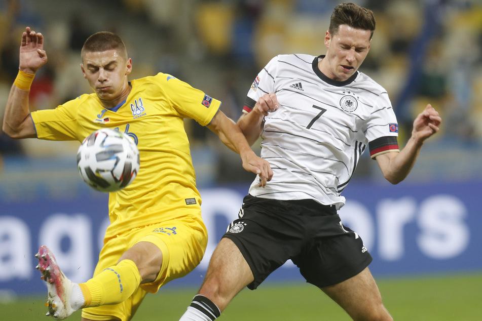 Deutschland hatte einige Möglichkeiten, um das Spiel mit einem deutlicheren Sieg zu beenden. Auch Julian Draxler (r.) vergab eine hochkarätige Torchance.