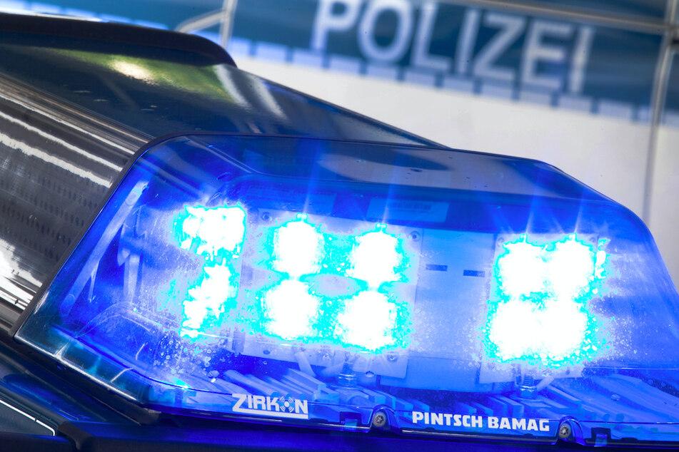 Laut Polizei war der Fahrer des Transporters betrunken. (Symbolbild)