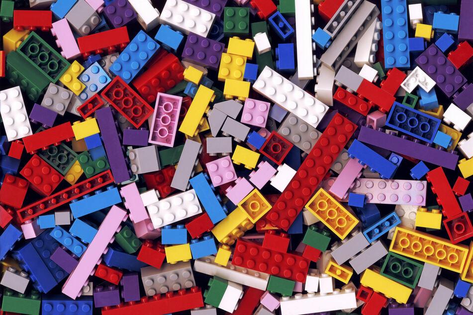 Für eine zweispurige Rampe sind schon rund 16 Kilogramm Legosteine nötig (Symbolbild).