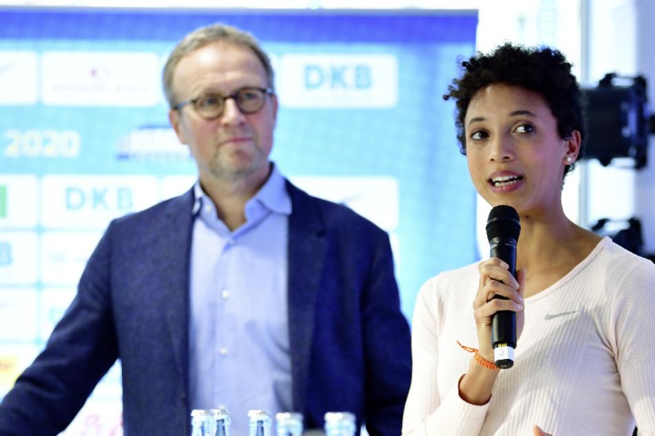Martin Seeber, Meeting-Direktor des ISTAF und die deutsche Leichtathletin und Weitsprung-Weltmeisterin Malaika Mihambo. (Archivbild)