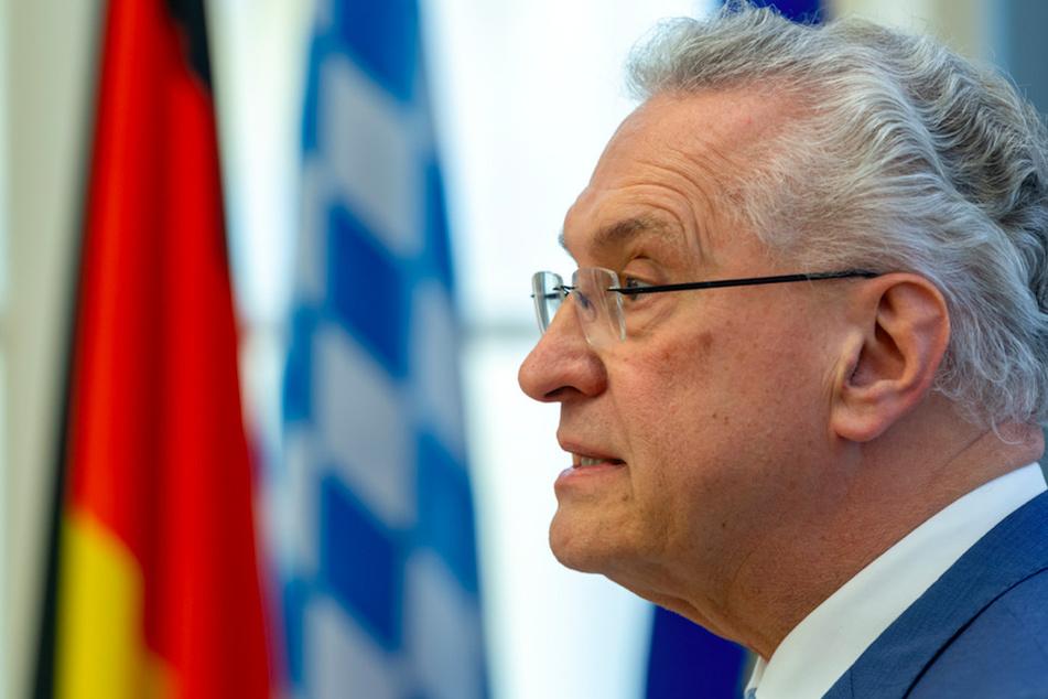 Joachim Herrmann (63, CSU), Innenminister von Bayern, steht zur Ausrufung des Katastrophenfalls.