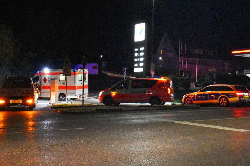 Fußgänger wird von Transporter erfasst und schwer verletzt