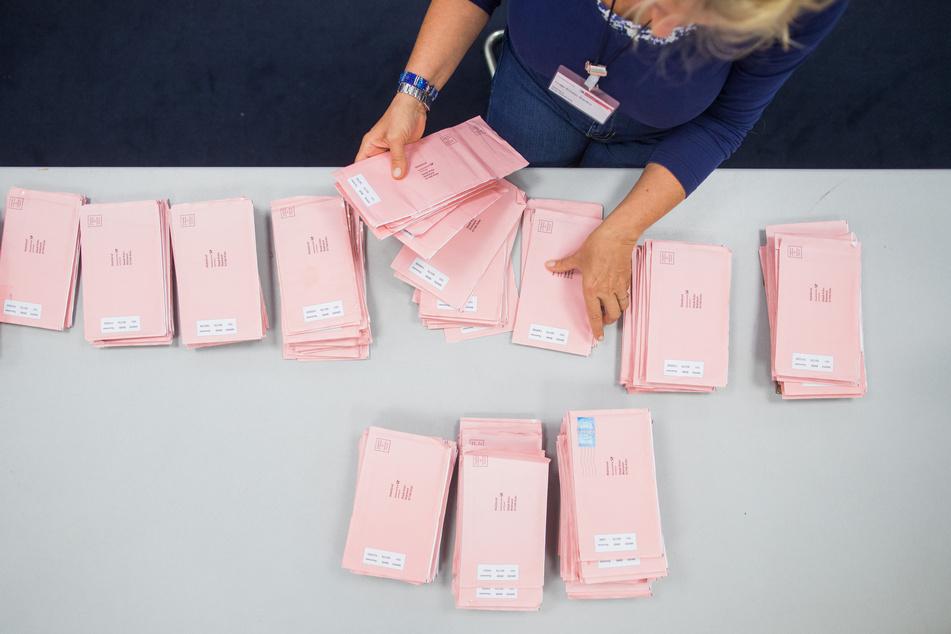 Viele Menschen wählten in diesem Jahr bereits per Briefwahl. Weiterhin bevorzugen dennoch viele Einwohner den Gang zur Wahlurne. (Archivbild)