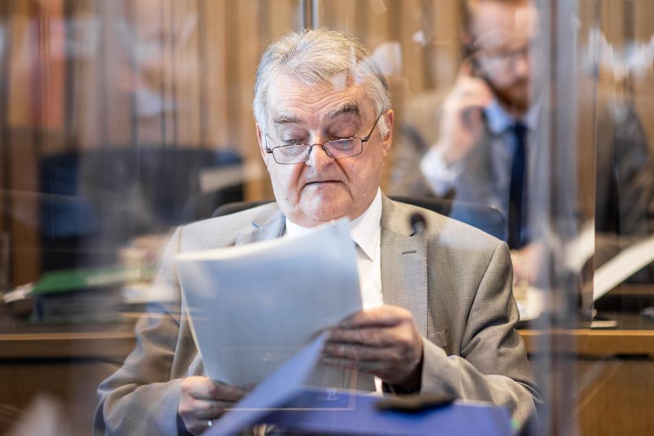 Innenminister Herbert Reul (68, CDU) bestätigte in einer Pressekonferenz den Fund von Rechtsextremen Chat-Gruppen bei der NRW-Polizei. (Archivfoto)