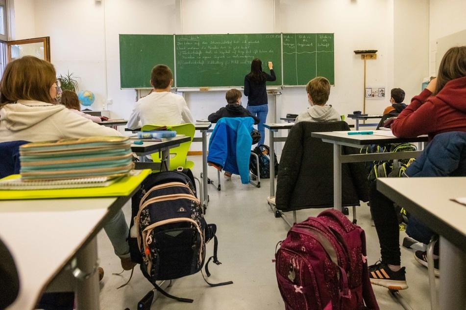 Schüler in NRW kehren ab heute in ihre Klassenzimmer zurück, aber nicht alle!