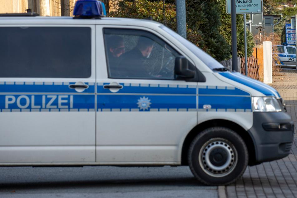 Dresden: Gruppe Jugendlicher grölt fremdenfeindliche Parolen