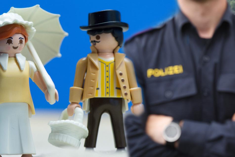 Junge (7) klaut Postboten Playmobil und liefert sich Verfolgungsjagd mit der Polizei
