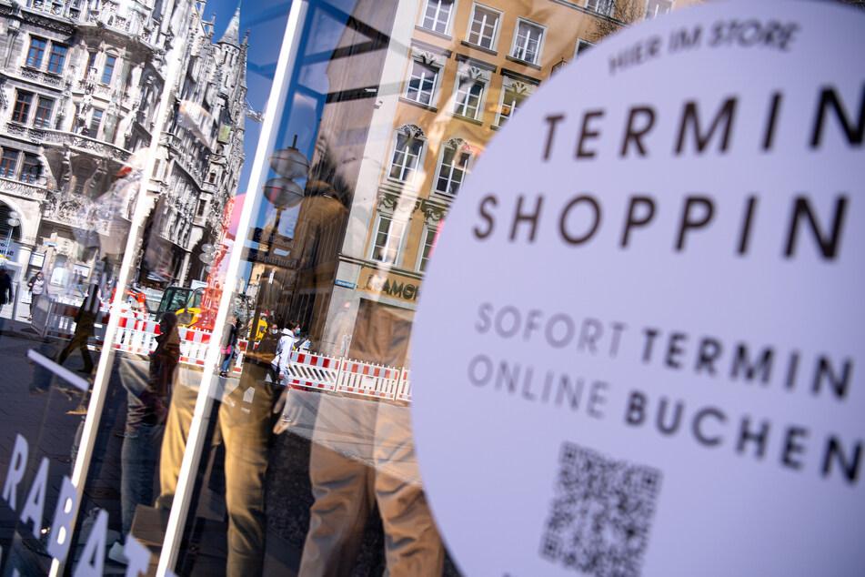 Die Fußgängerzone in der Innenstadt von München. Läden dürfen nur noch mit einem negativen Corona-Test betreten werden.