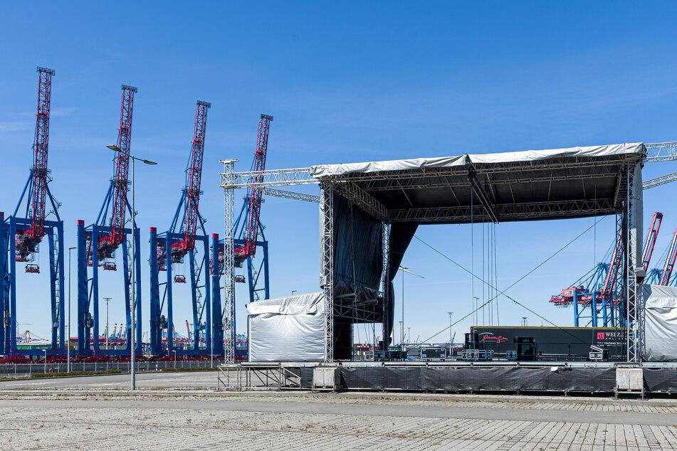 """Das """"Cruise Inn"""" Hamburg ist zurück: Unter dem Motto """"Vor deiner Tür"""" soll es auch in diesem Jahr wieder Konzerte auf dem Kreuzfahrtterminal in Hamburg-Steinwerder geben. (Archivbild)"""