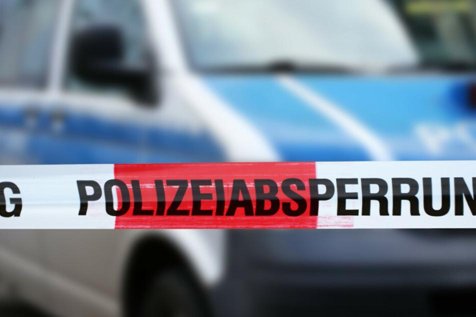 Frau (53) in Hausflur ermordet: 33-Jähriger festgenommen