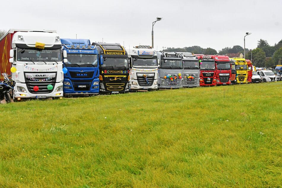 15 Trucks rollten für den Riesaer Jungen an.