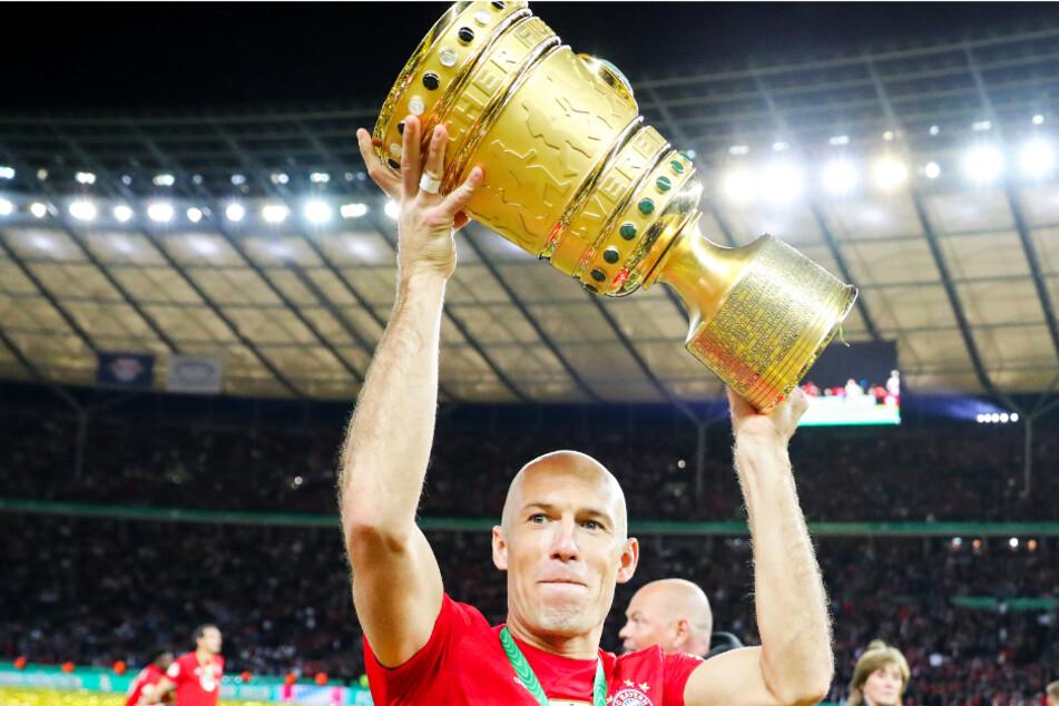 Arjen Robben (36) gewann mit dem FC Bayern München fünf Mal den DFB-Pokal, wurde acht Mal Deutscher Meister und war mitentscheidend für den Champions-League-Triumph 2013.