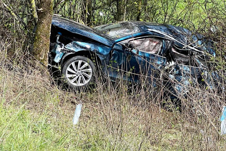 Unfall A3: Unfälle auf A3! Skoda landet in Baumgruppe, auch Kinder unter den Verletzten